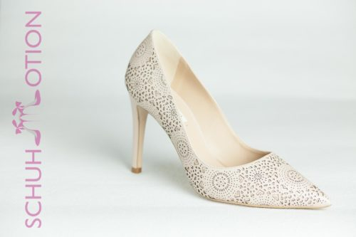 Pumps Stanzmuster nude 1